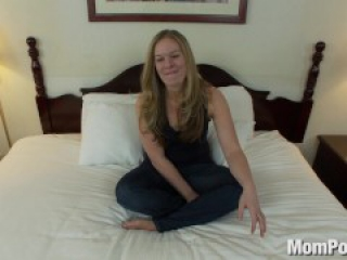 Thick natural tits amateur does first porn
